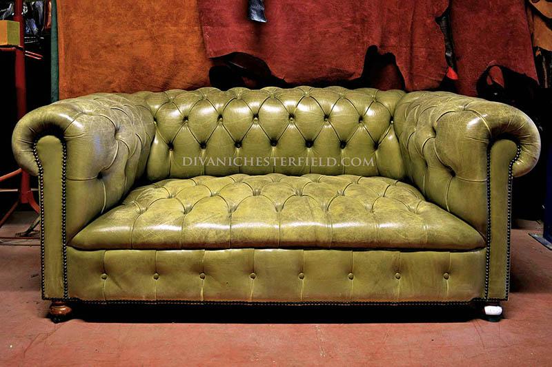 Divani Pelle Marrone Vintage : Divano in pelle marrone vintage beautiful divano in stile vintage