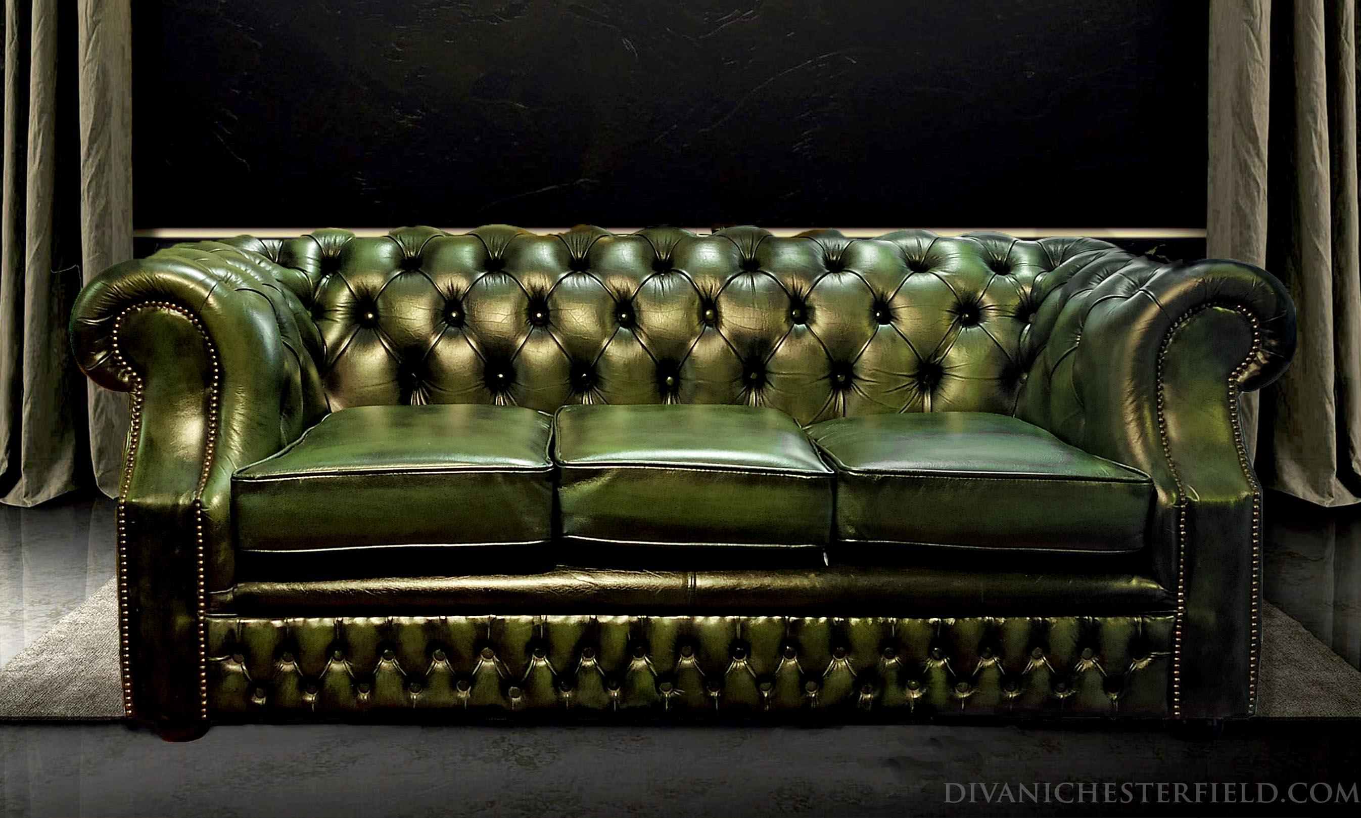Divani chesterfield usati in pelle vintage originali inglesi - Divano in inglese ...